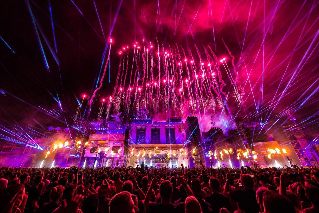 Feuerwerk über der Parookaville Mainstage von 2018 ©Alive Coverage